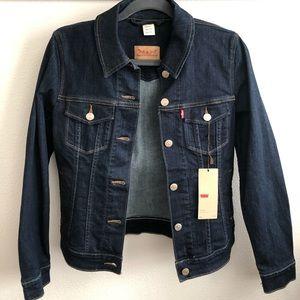 NWT Levi's Trucker Denim Jacket Small